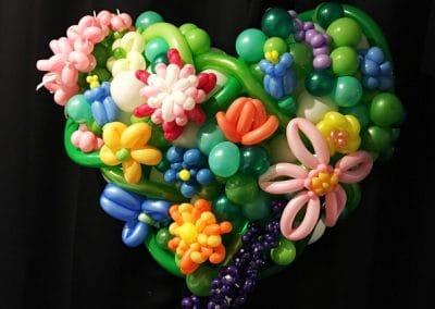 Hangable. XL heart sculpture with premium flowers